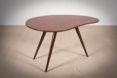 A ROSEWOOD OCCASIONAL TABLE at de Veres Auctions