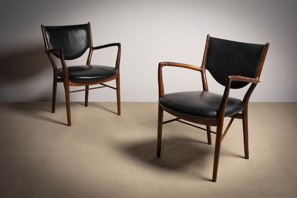 A PAIR OF ROSEWOOD 'FINN JUHL 46' ARMCHAIRS