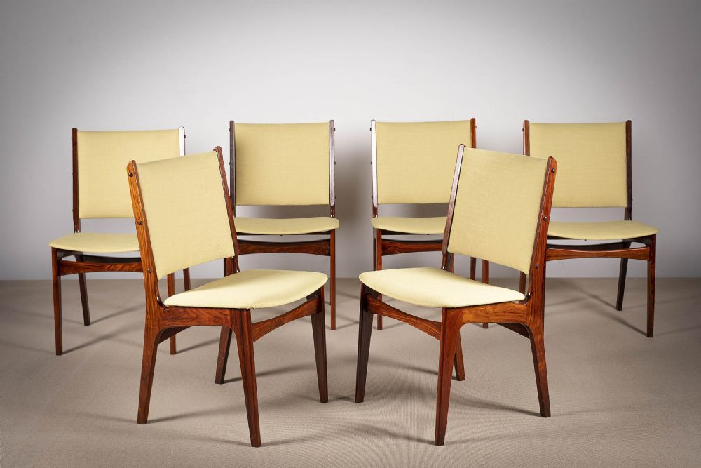 A SET OF SIX ROSEWOOD SQUARE BACKED DINING CHAIRS