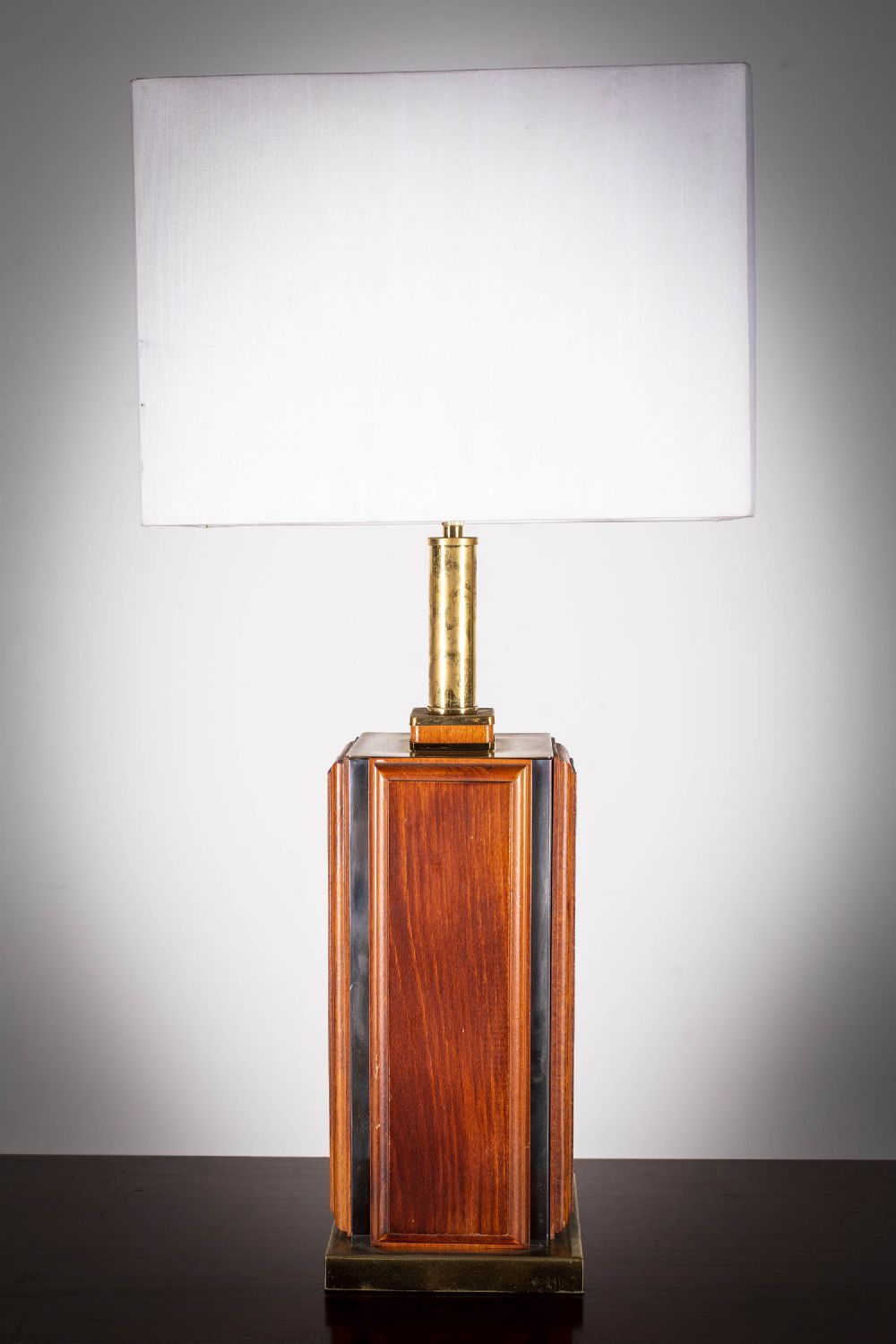 A TEAK AND BRASS SQUARE TABLE LAMP