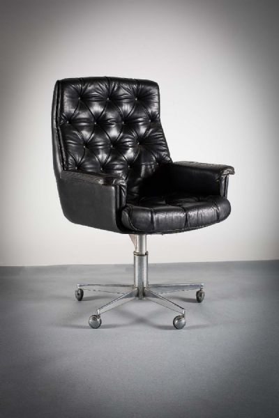 1960s EXECUTIVE CHAIR at de Veres Auctions